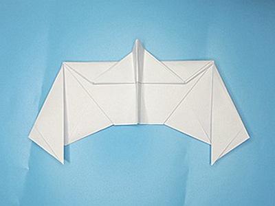bat-paper-airplane-Step 16-2